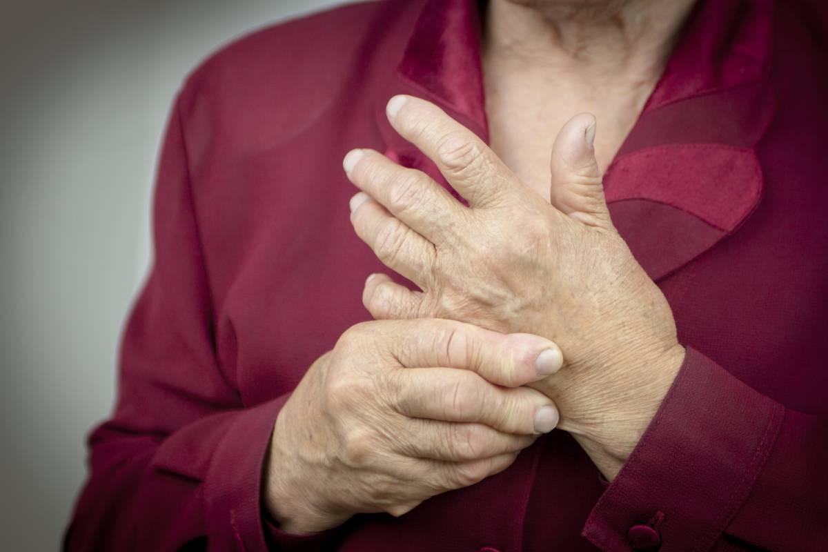 Revmatoid artrit xronik xəstəlikdir